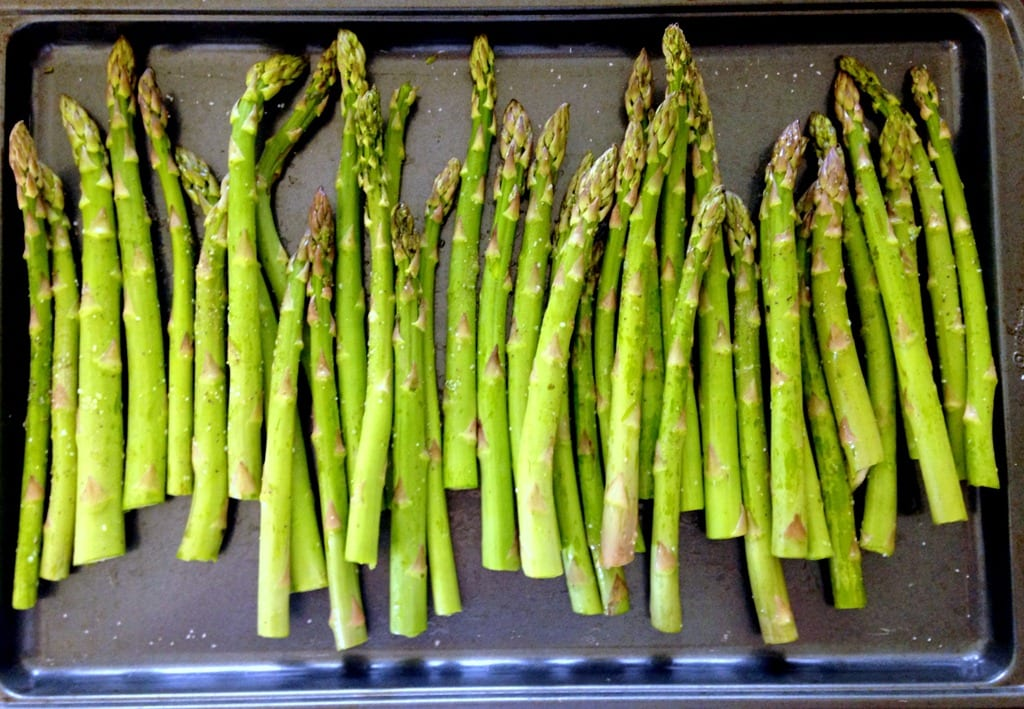 Simple Garlic Roasted Asparagus