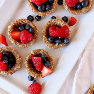 Raw, Mini Berry Pies {Vegan, GF}