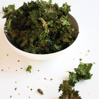 Spicy Baked Kale Chips